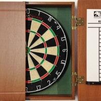 Darts kast met scorebord
